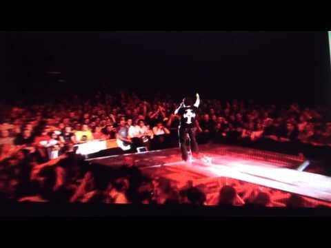 QUUEN + PAUL RODGERS ...FEEL LIKE MAKIN LOVE  LIVE AT HALLAM  NEW (HD))