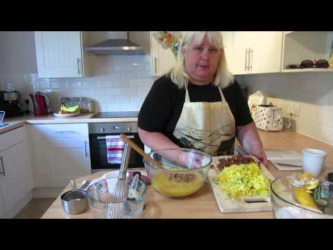 Heidi Roberts Kitchen Talk! How to make Pineapple Courgette (Zucchini) Loaf Bread