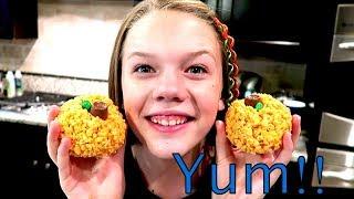 🎃 DIY Pumpkin Rice Krispies Treats!! 🍰 // SierraCreates