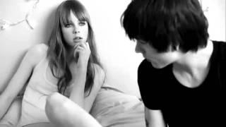Cancion anuncio Amor Amor Forbidden Kiss (Amor Prohibido) Cacharel.
