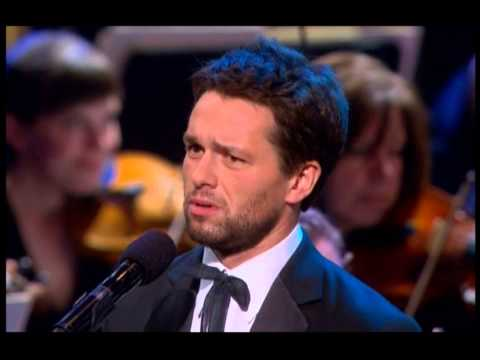 Julian Ovenden & Sierra Boggess sing 'If I Loved You'
