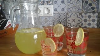 Домашний лимонад. Дети едят лимон. Дети готовят еду сами.. Cooking kids.