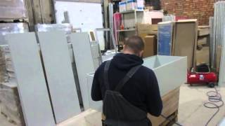 видео Металлические шкафы для одежды ШРК
