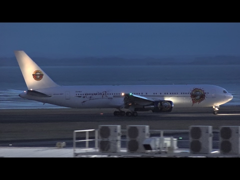 Guns N' Roses   Boeing 767-300ER Landing at Auckland Airport