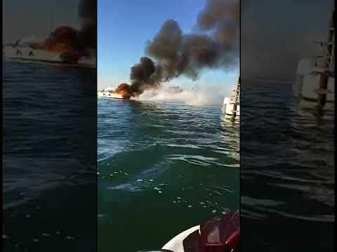 bateau algerie feu