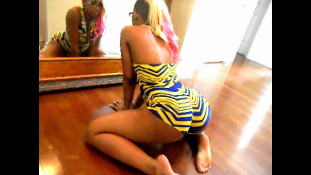 Nicki minaj ass twerking Part 2