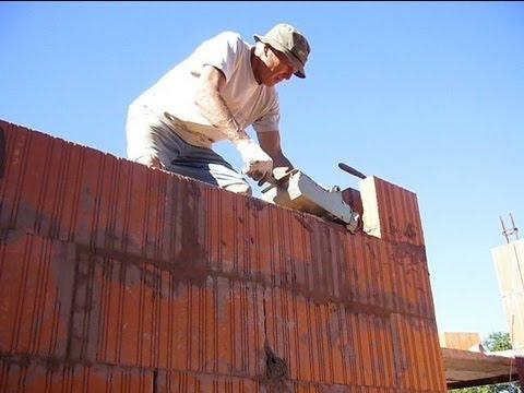 Pose briques monomur youtube for Ciment pour parpaing