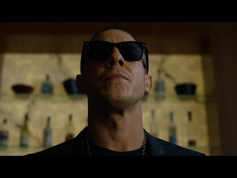 An  with Theo Rossi!!!! Shades
