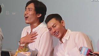 Isaac ngả đầu trên vai Kiều Minh Tuấn ở buổi họp báo ra mắt phim ANH TRAI YÊU QUÁI