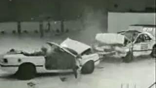 Crash TEST - Chrysler LeBaron Vs Chrysler LeBaron Convertible