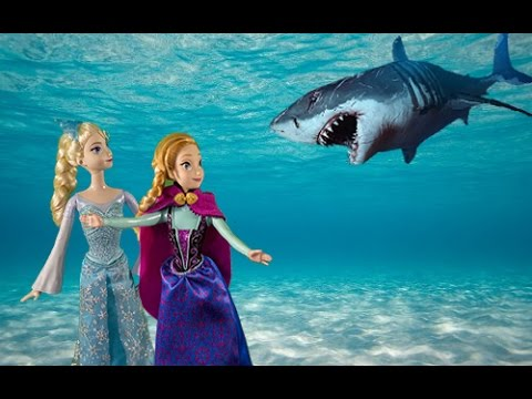 Elsa and Anna go on a trip to the aquarium to see different fish and other animals PART 2