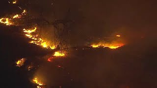 LIVE Rapidly-growing Sylmar brush fire threatens homes, power lines I ABC7