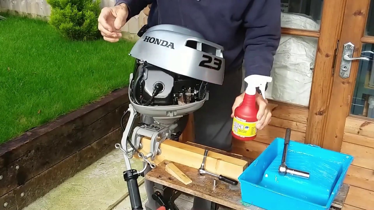 Honda 2.3 hp Outboard Engine Winterisation - YouTube