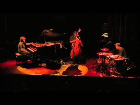 'Flamenco a cordes' de Dorantes amb Renaud Garcia-Fons & Cordes del Món - 'Sin muros ni candados'