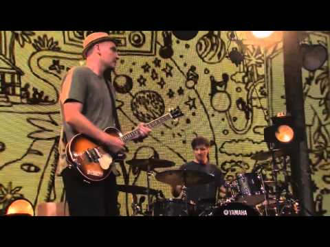 Jack Johnson   Live at iTunes Festival 2013 Washing Dishes HD