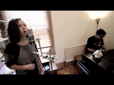 London Elektricity featuring Elsa Esmeralda - Elektricity Will Keep Me Warm (Acoustic Version)