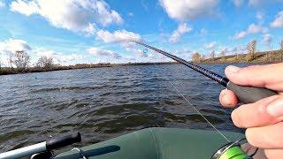 Эта необычная приманка провоцирует щуку на поклевку! Рыбалка на спиннинг осенью.