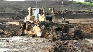 CONSTRUCTION EQUIPMENT AT WORK CATERPILLAR D7R - K