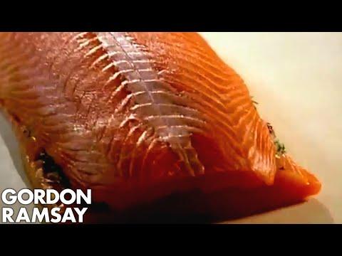 Salmon en Croute - Gordon Ramsay - YouTube
