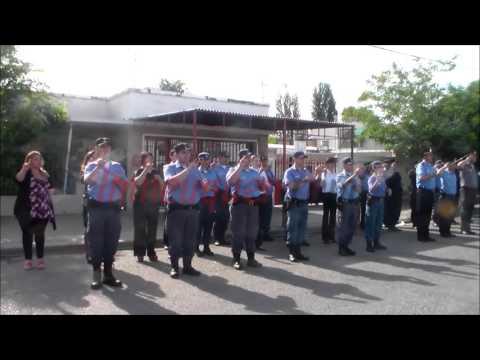 Por primera vez, un grupo de policías interpretó los himnos nacional y neuquino en lenguaje de señas
