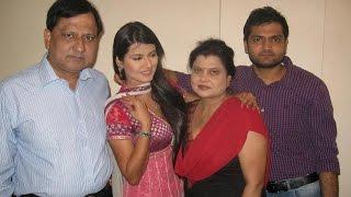 TV Actress Kratika Sengar with Family