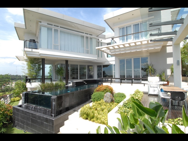 Regine Velasquez and Ogie Alcasid House in Quezon City
