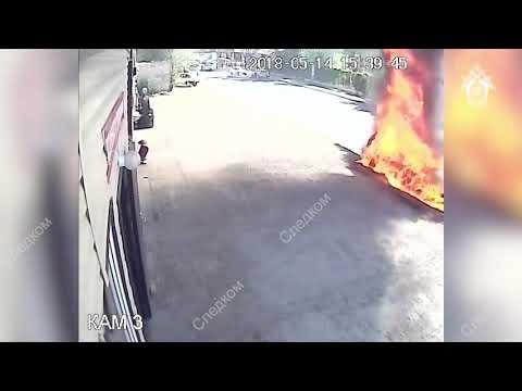 В Астрахани иномарка сгорела после ремонта в автосервисе