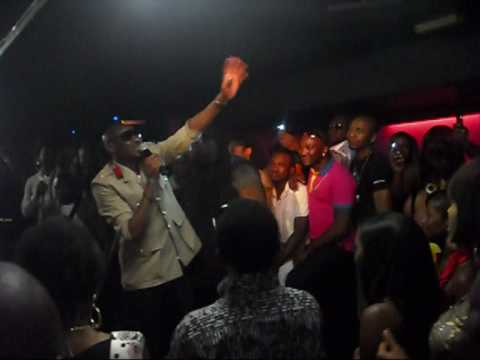 2face IN LONDON LIVE  AND MI TURNED UP