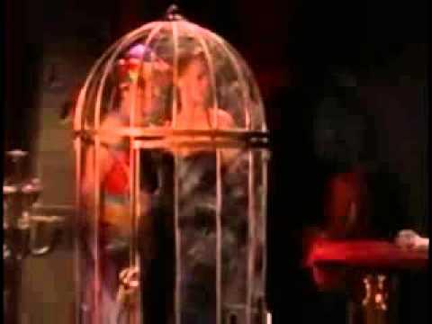Sydney Fox (Tia Carrere) funny catfight against a leggy