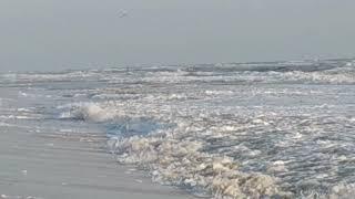 Экстремалы в шторм на Черном море Лазурное 2019