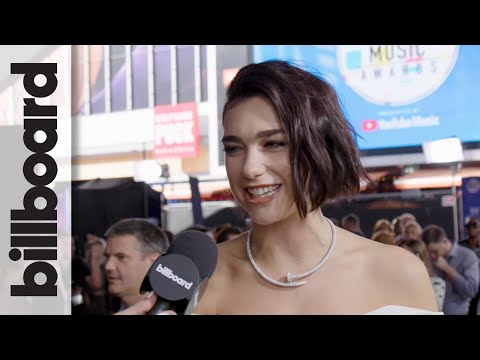 """Dua Lipa Explains The """"Turning Point"""" of 'Electricity' Music Video at 2018 AMAs 