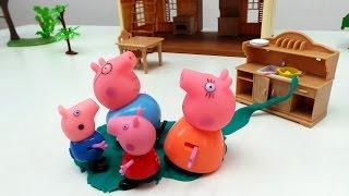 Мама Свинка устроила потоп. Домашние дела - это весело. Свинки купаются в луже.
