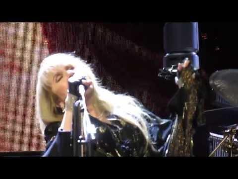 "The Stevie Nicks ""twirl"" Standback - Boston - April 18, 2013"