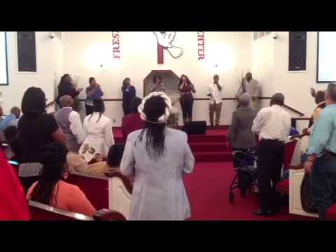 Team iPraise singing Ahh by Tasha Cobbs