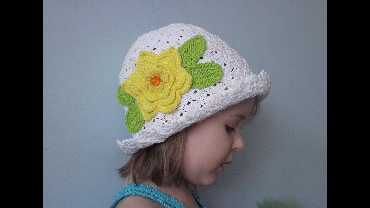 Вяжем шапочки крючком для девочек