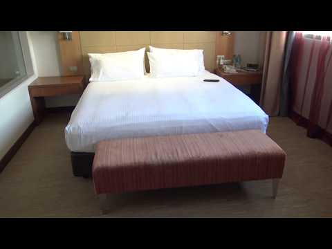 Pan Pacific, Perth, Australia: Pacific Club Suite after housekeeping