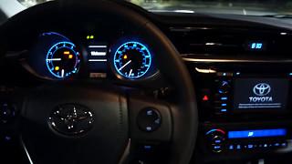 Тойота Королла 2014 з 6-ступінчастою ручною запуск і погуляти коментар
