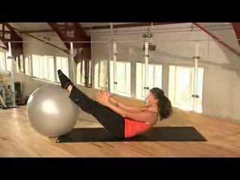 9071cd87cb5 Pilates med stor bold - YouTube