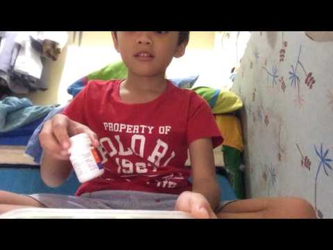 OMG BOTTLE FLIP WITH MY VITAMINS -no music 🎶 dow :(        Uploaded from the fhiplipines sryicants