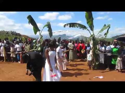 malawi wedding dance.MP4