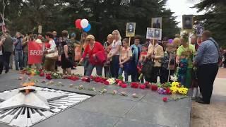 Возложение цветов к Вечному огню в Симферополе