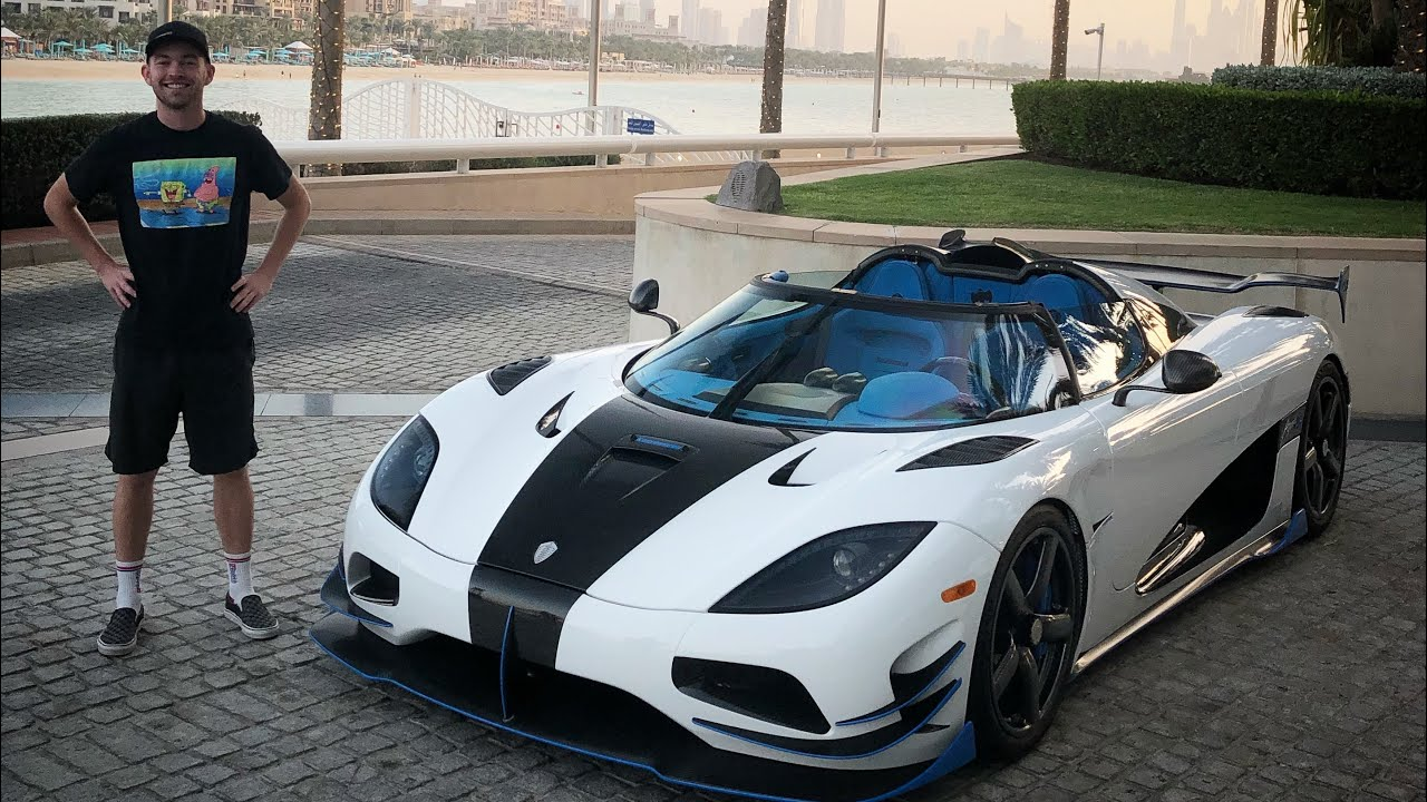 my-friends-airfreighted-their-koenigsegg-agera-rs-to-dubai