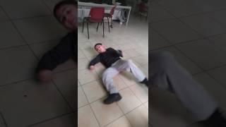 הילד הכי טיפש בעולם thumbnail