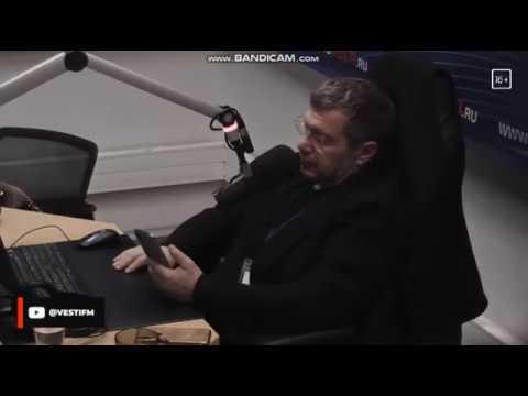 В Соловьёв читает письмо другого человека,пишущего о себе и своём отце о 90х