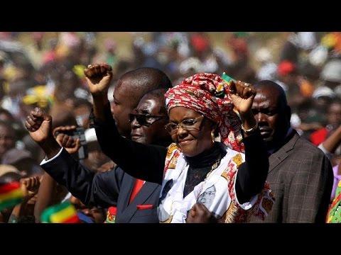 Huge pro-Mugabe march in Zimbabwe capital