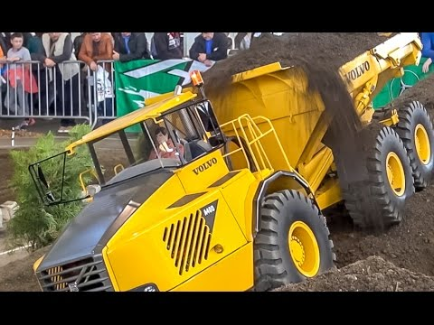 RC Volvo Dumper In 1/8 Scale, 180 KG (!!!) Total Weight! Absolutely AMAZING!