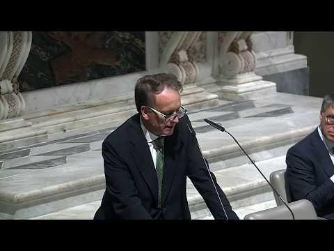 """Presentazione del libro """"La corruzione spuzza"""" di R. Cantone e F. Caringella"""