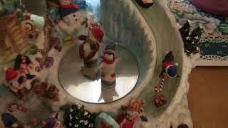 Magnetic Ice Skaters Christmas Music Box/Globe