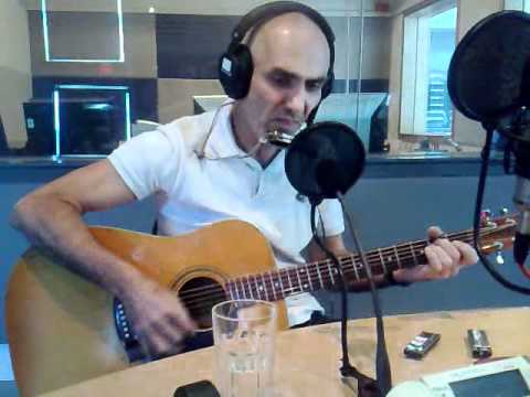 Paul Kelly from Melbourne, in Perth, singing a song about Adelaide