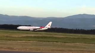 هبوط ثم إقلاع لطائرة a332 خطوط الجوية الجزائرية touch and go